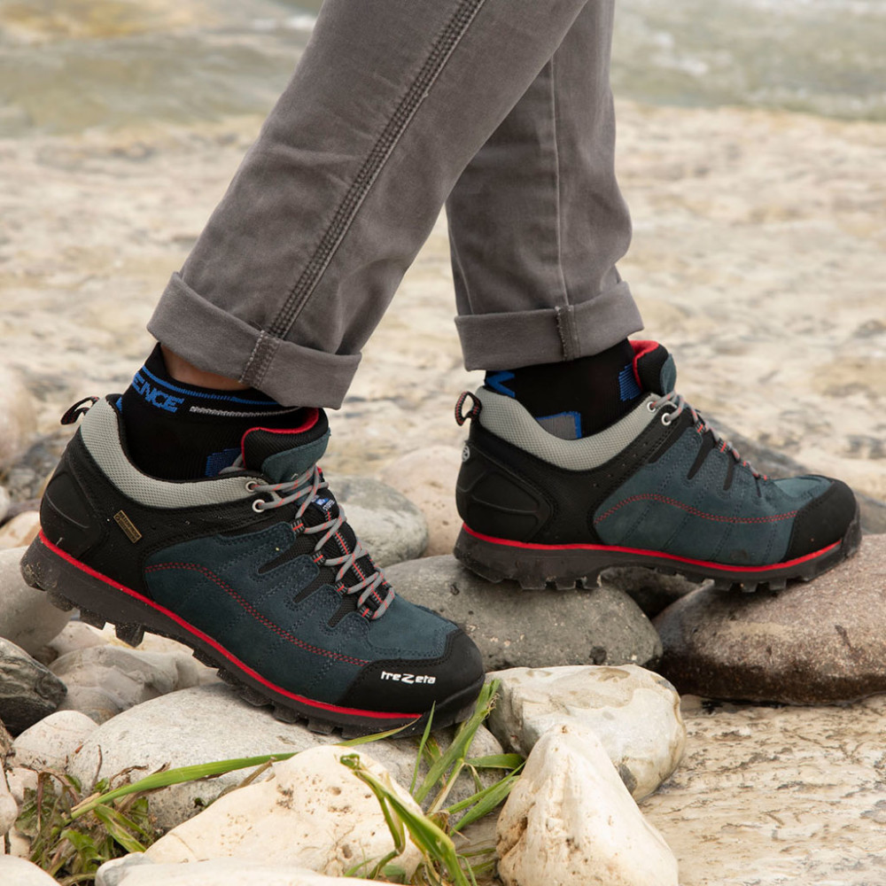 hurricane evo low wp blue red - man's hiking shoes