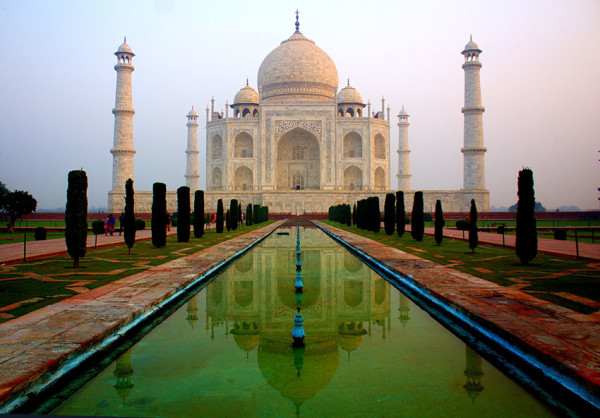 THE SEVEN WONDERS OF THE WORLD | The Taj Mahal